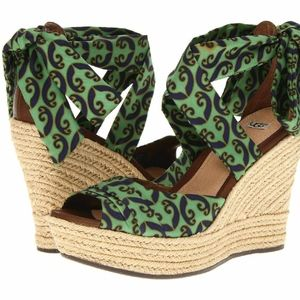 NWT  UGG Australia Silk Tie Up Wedge sandals 10